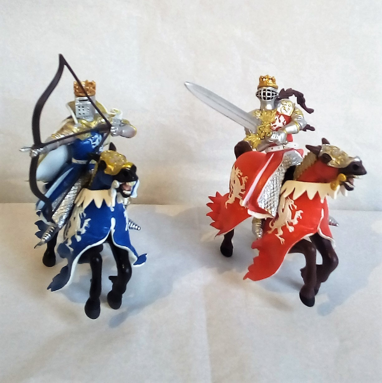 figurines-chevalier-arc-ou-epee