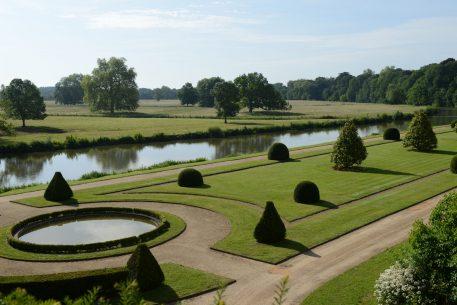 2012-06-02-le_lude_parc-agricole-et-jardin-bas-g.-durand